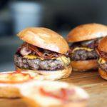 グアムでおすすめのハンバーガーはメスクラ・ドス・ローワー!